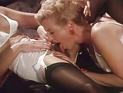 lesbians licking ass